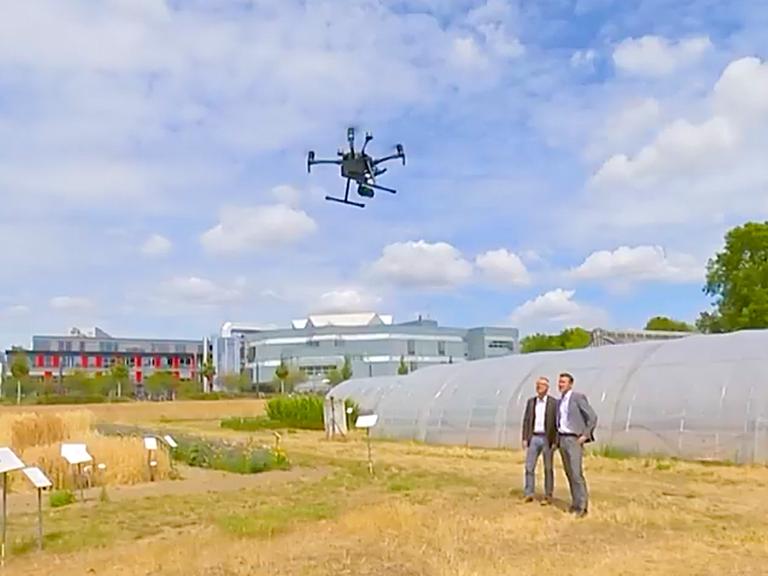 Right click to download: Eine GPS-gesteuerte Drohne