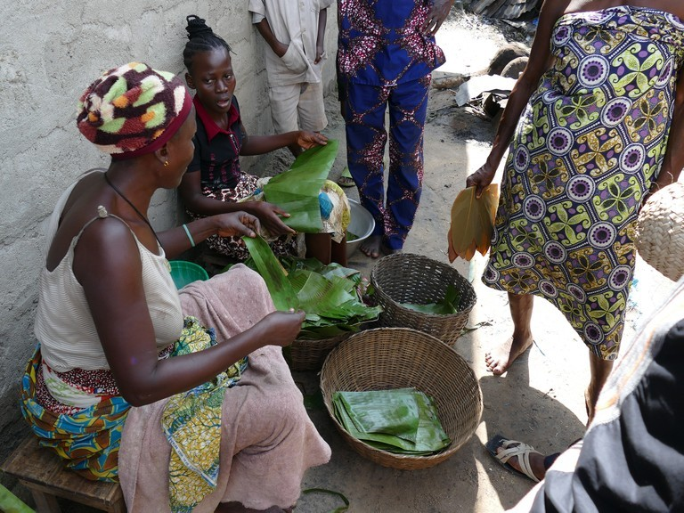 Right click to download: Frauen im Benin