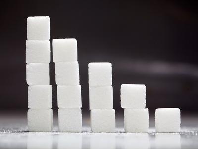 sind laut DONALD-Studie zugesetzter Zucker und Süßigkeiten, Säfte, Milchprodukte sowie Getränke (© Foto: Colourbox)
